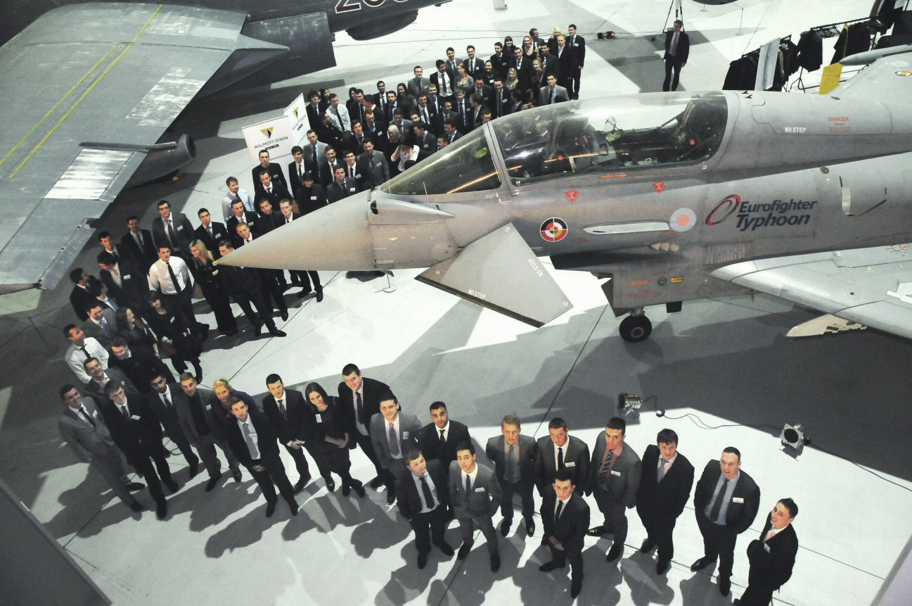 trainees-with-planes-website